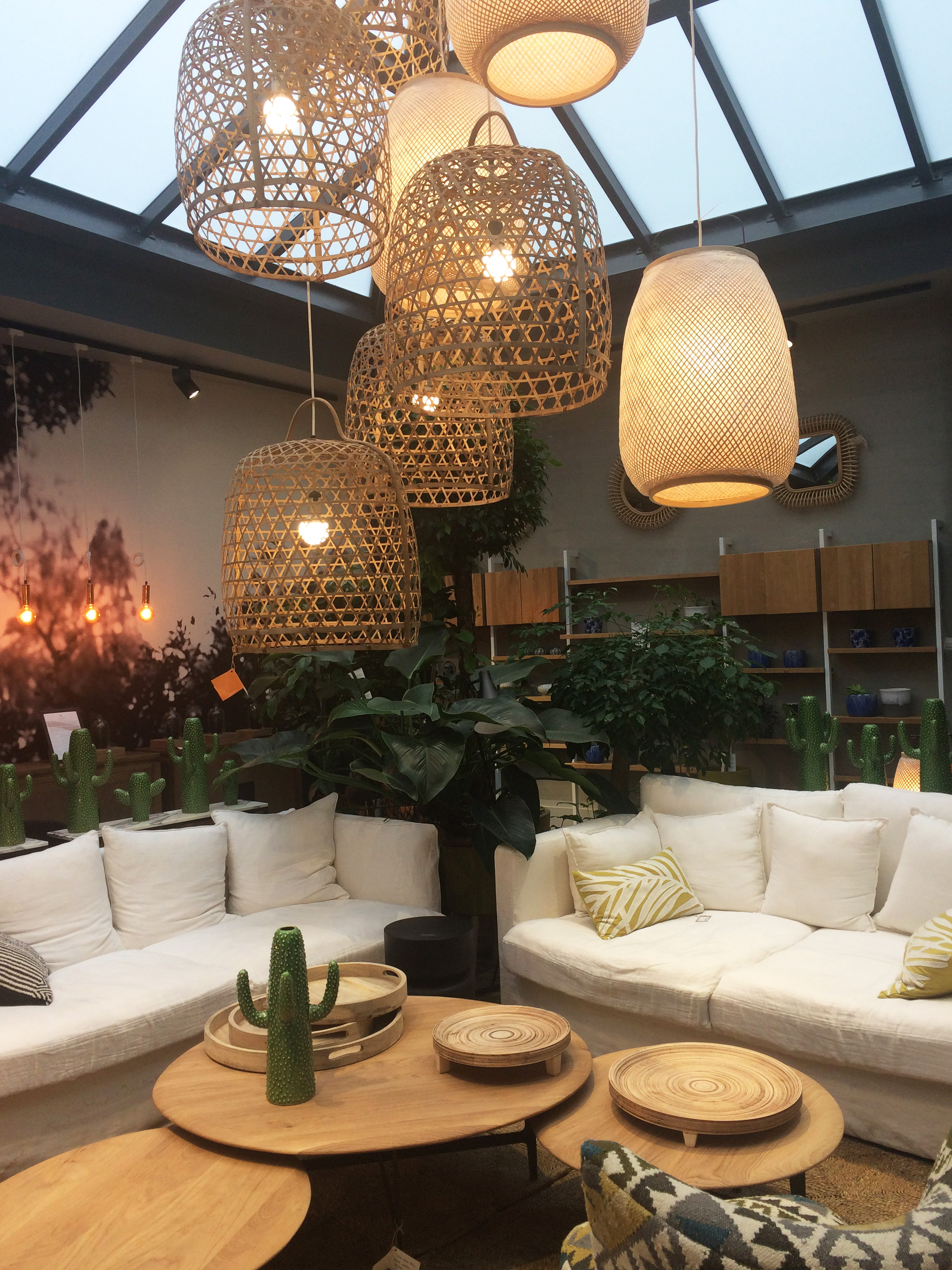 ampm Top Interior Stores In Paris Worth Visiting authentic interior