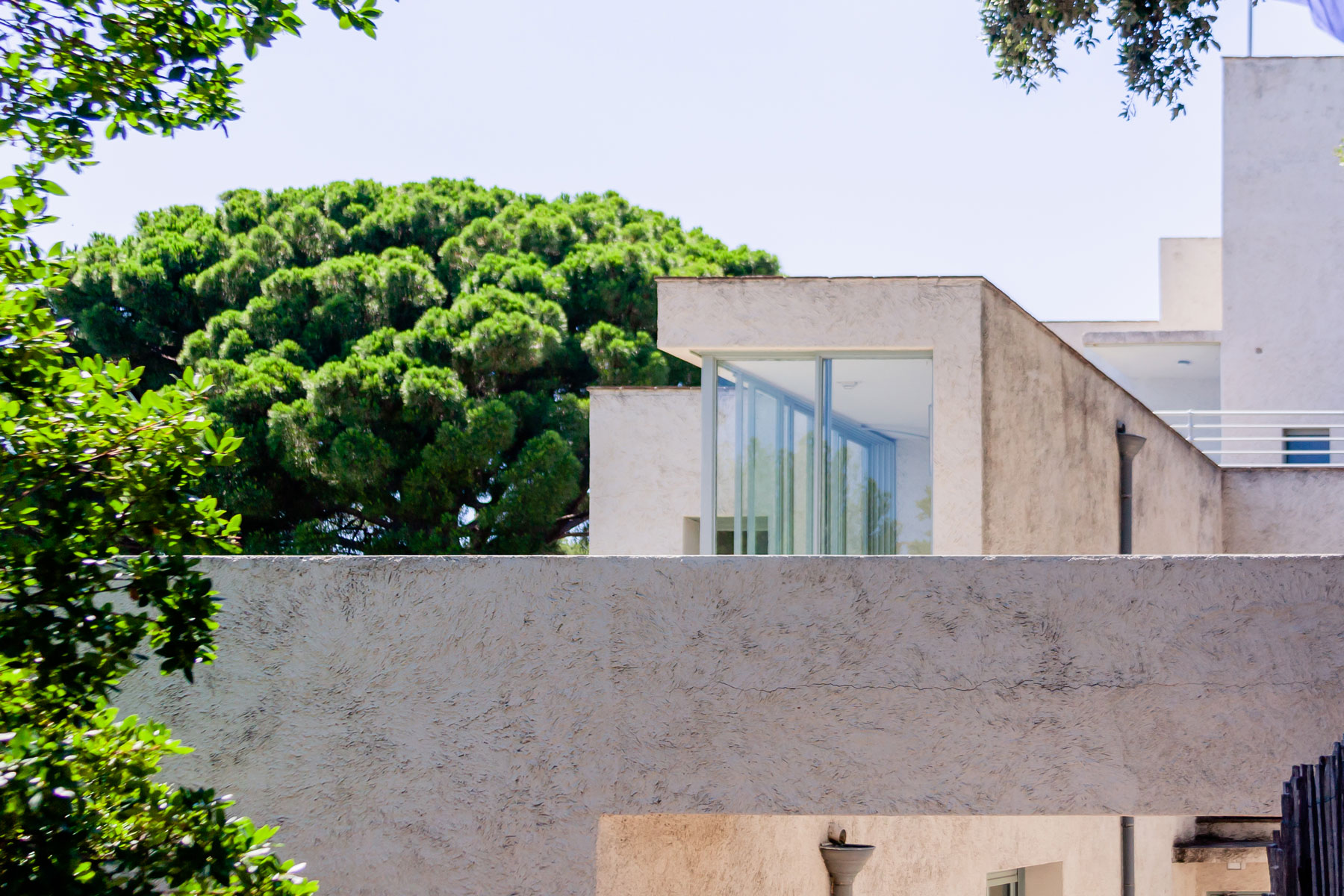 Villa Noailles - 100 Year Modernist Villa And 2019 Trends
