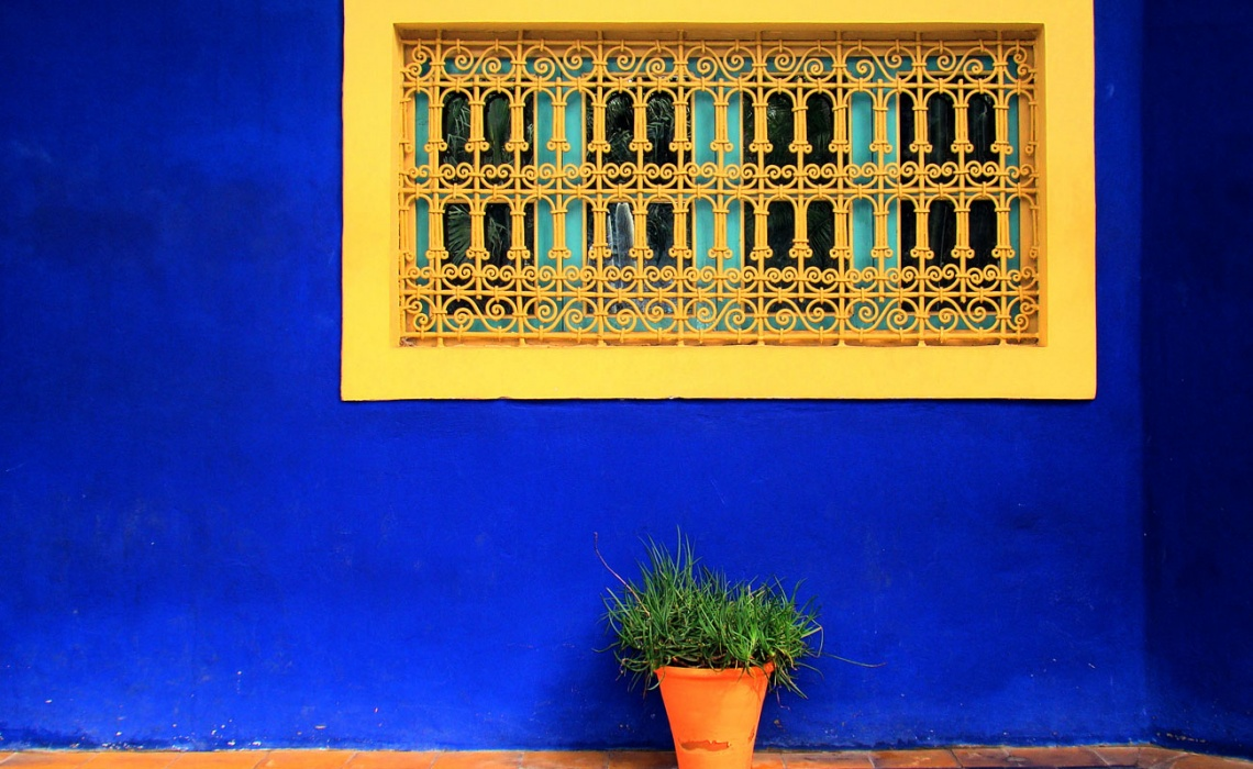French Friday | Powerful Yves Klein Blue Paint Color And Design Inspiration