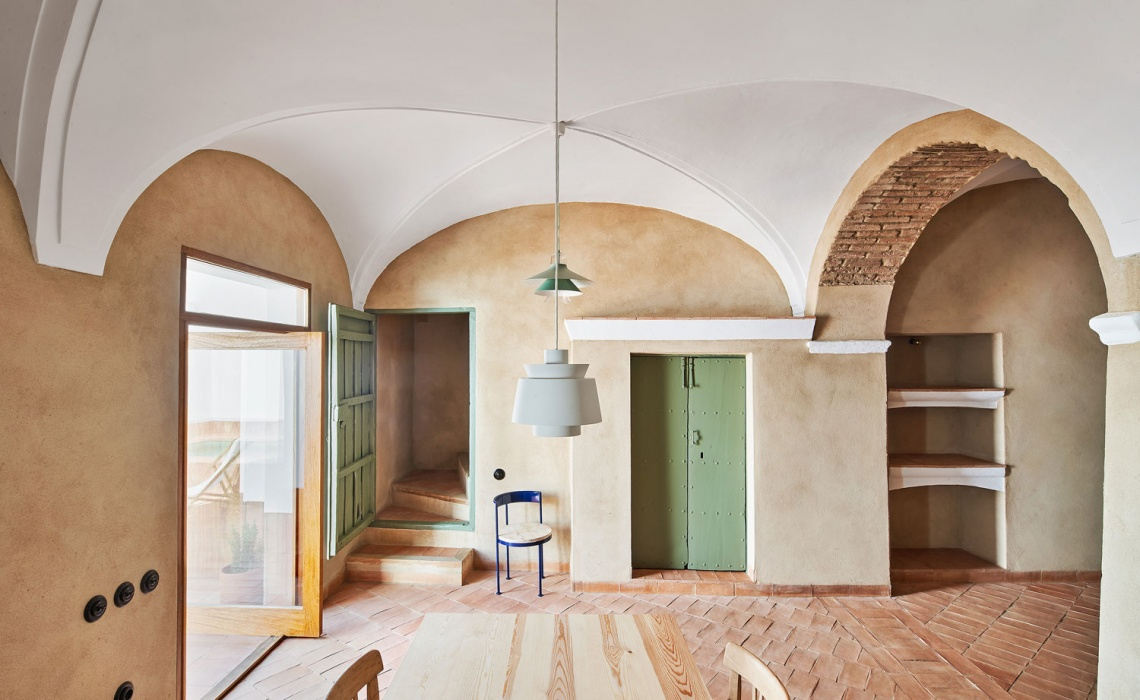 A Guesthouse In Spain Turned To A Peaceful Design Abode