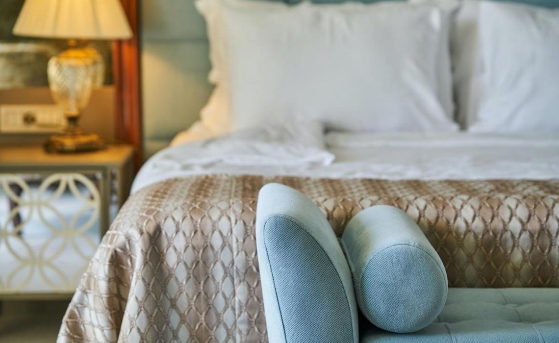 8 Fundamental Interior Design Tips For A 5-Star Hotel Bedroom
